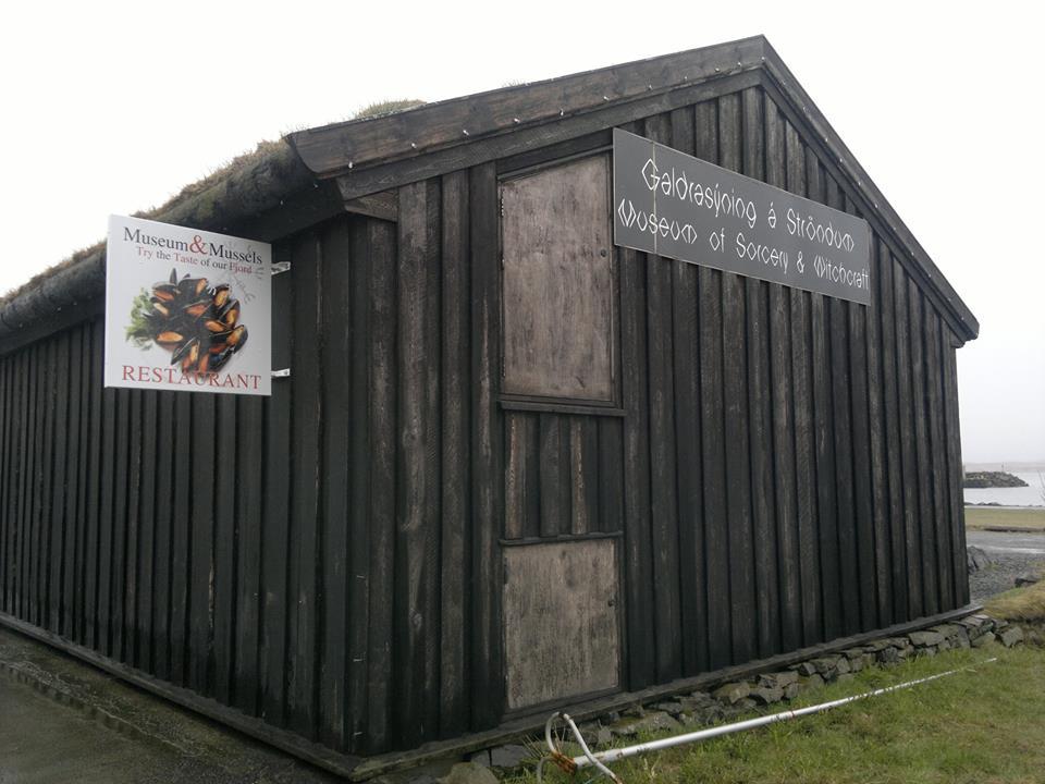 Museo de Brujeria Holmavik